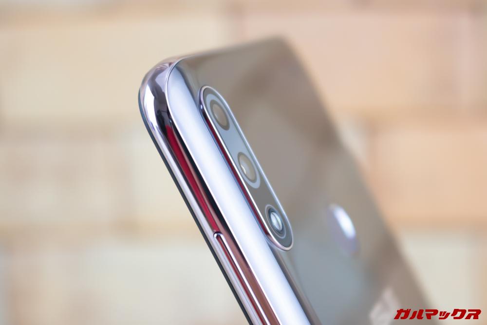 ZenFone Max Pro (M2)のカメラの出っ張りは少なめ