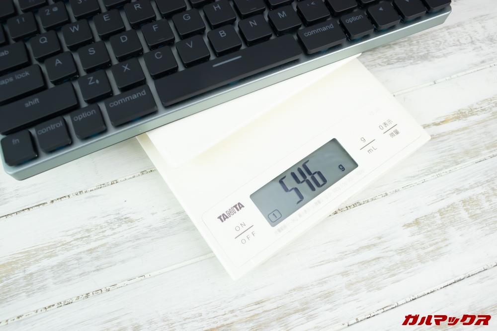 Taptekは重量が実測値546gで軽量です。