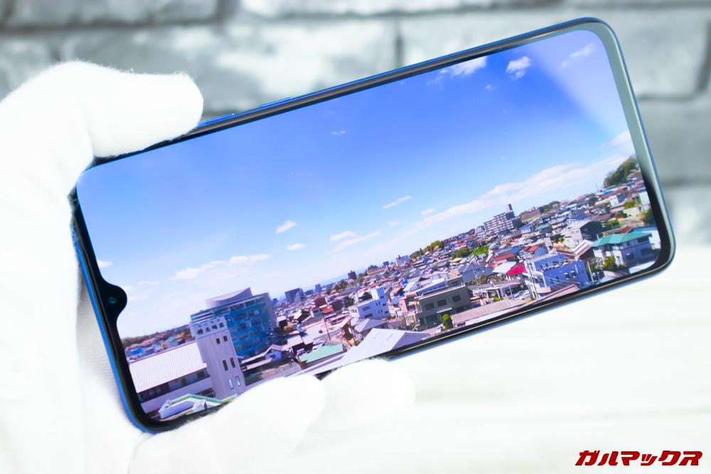 Xiaomi Mi 9は有機ELパネルを搭載しているので発色が良いです。