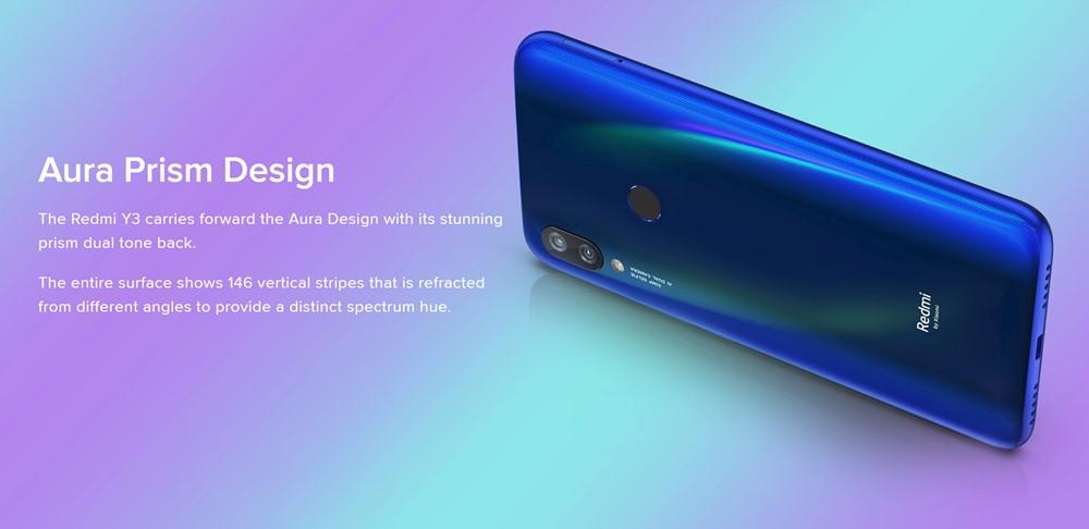 Xiaomi Redmi Y3の背面は一部カラーは光の角度で表情が変わる
