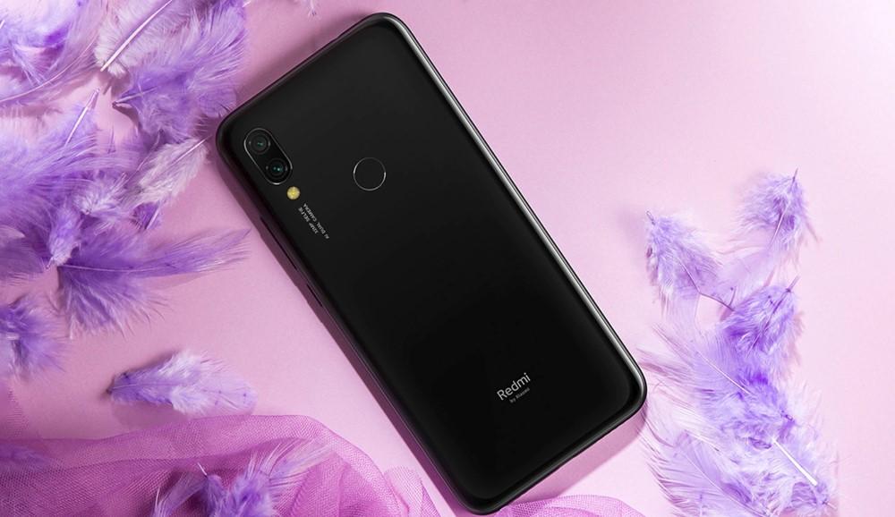 Xiaomi Redmi Y3のブラック系カラー
