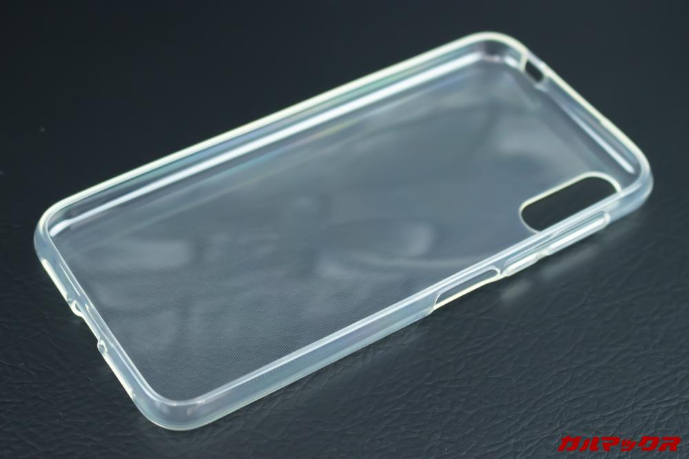 Elephone A6 miniはクリアタイプの保護ケースが付属しています。