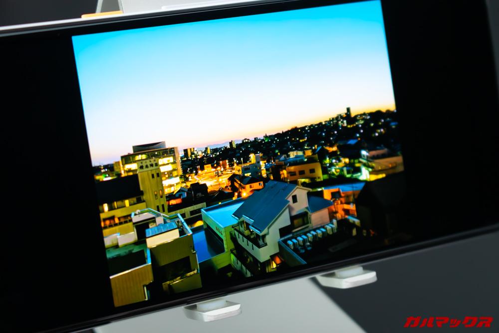 Google Pixel 3a/3a XLは有機EL搭載で非常に発色が良い。