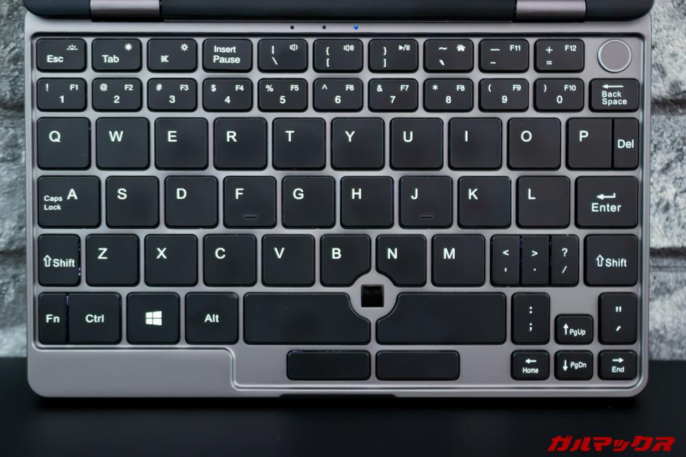 MiniBookのキーボードはフルサイズ並