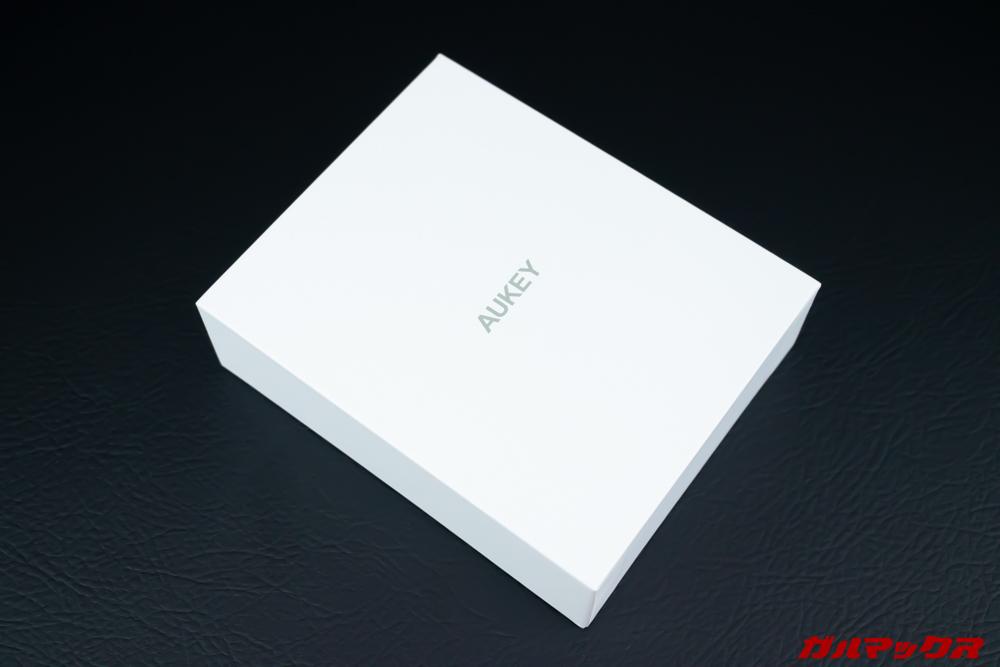 EP-T16Sの化粧箱は真っ白な箱に入って届きました。
