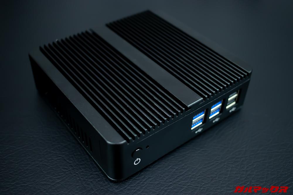 XCY X30 Mini PCの天板はヒートシンク代わり