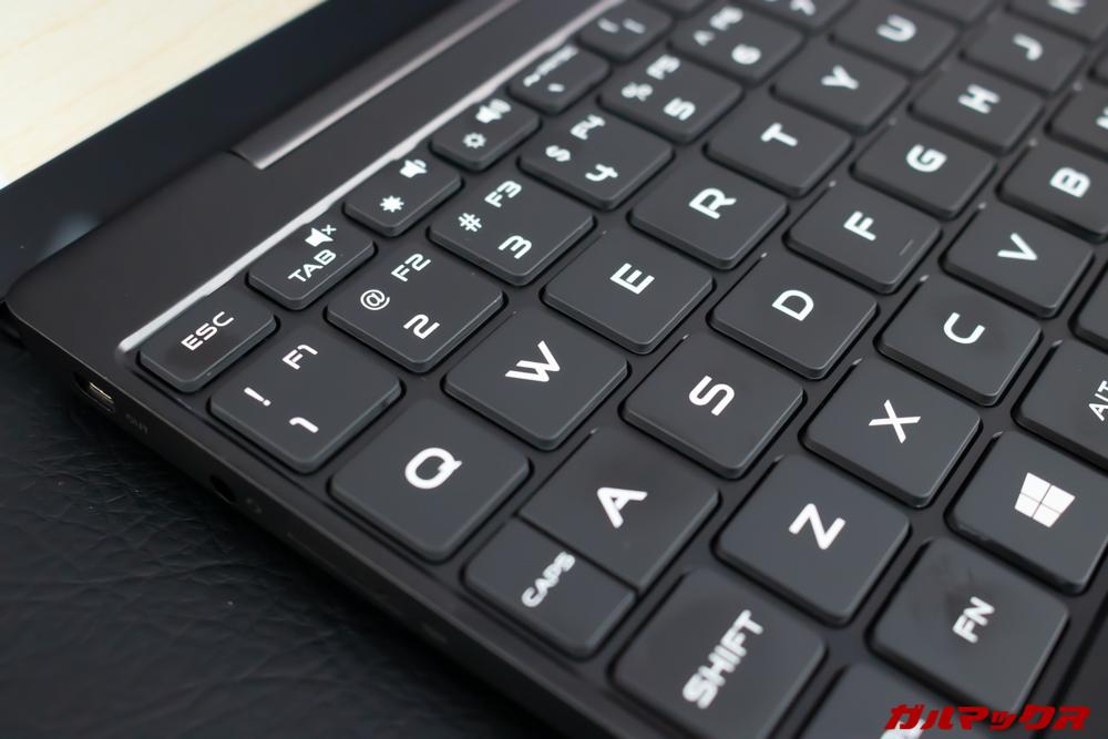 MAG1のキーボード印字フォントは独自のフォントでカッコいい