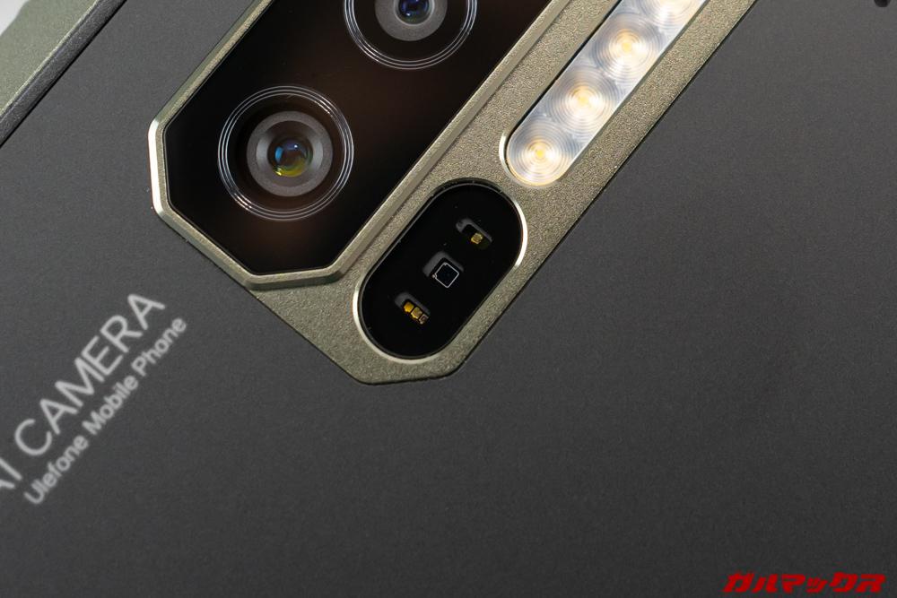 Ulefone Armor 7は心拍数を測定できるセンサーが標準で備わっている。