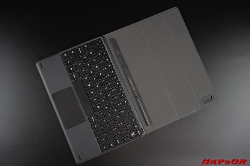 Teclast T30の専用キーボードは画面の保護も出来る