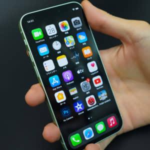 日本ではiPhone SEがバカ売れ、アメリカではiPhone 12 miniが不調な様子