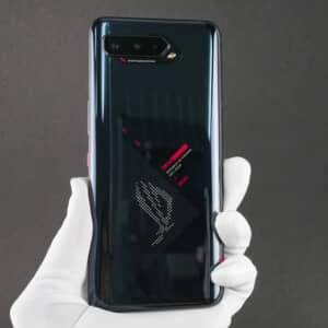 ROG Phone 5のレビュー!ド迫力なサウンドにも度肝を抜かれたゲーミングスマホ!